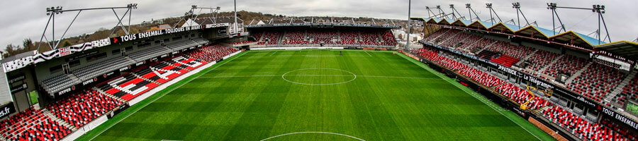 estádio stade-de-roudourou